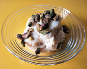 Easy Low Carb Side Dish Recipe: Mashed Faux-Tato (Mashed Cauliflower) with pistachios